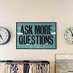 Ablenken mit einer Frage